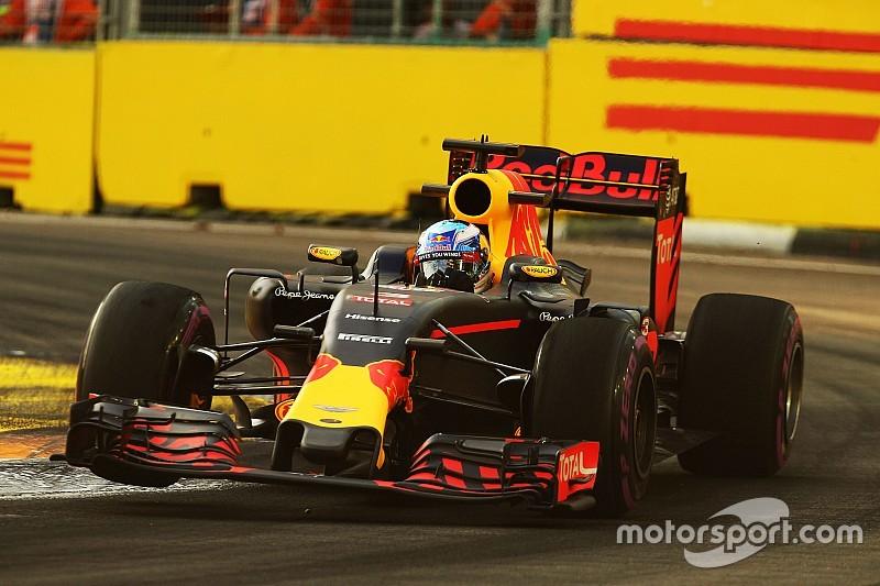"""Ricciardo no está """"desanimado"""" por la diferencia con Mercedes"""