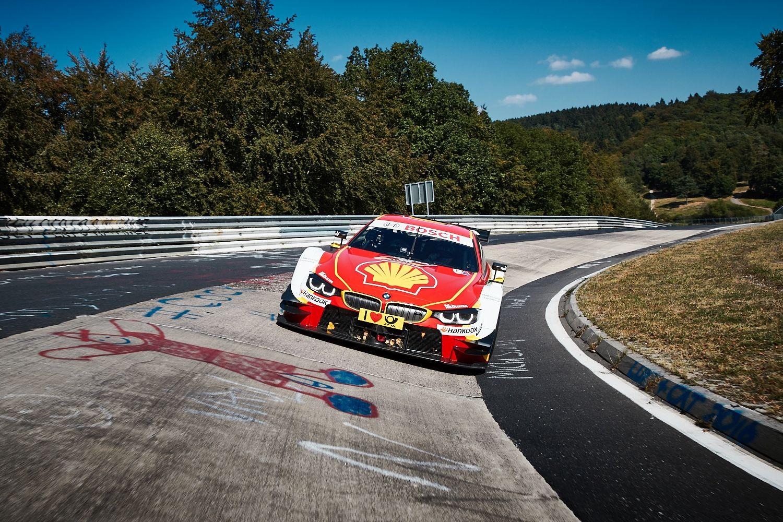 Remek páros: BMW M4 DTM Versenytaxival a Nordschleifén