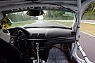 Ezt tuti nem szeretnéd: 280-nál szakad le a BMW ajtaja a Nürburgringen