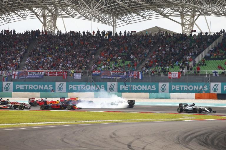 Rosberg átérzi Hamilton helyzetét, neki is volt része benne korábban
