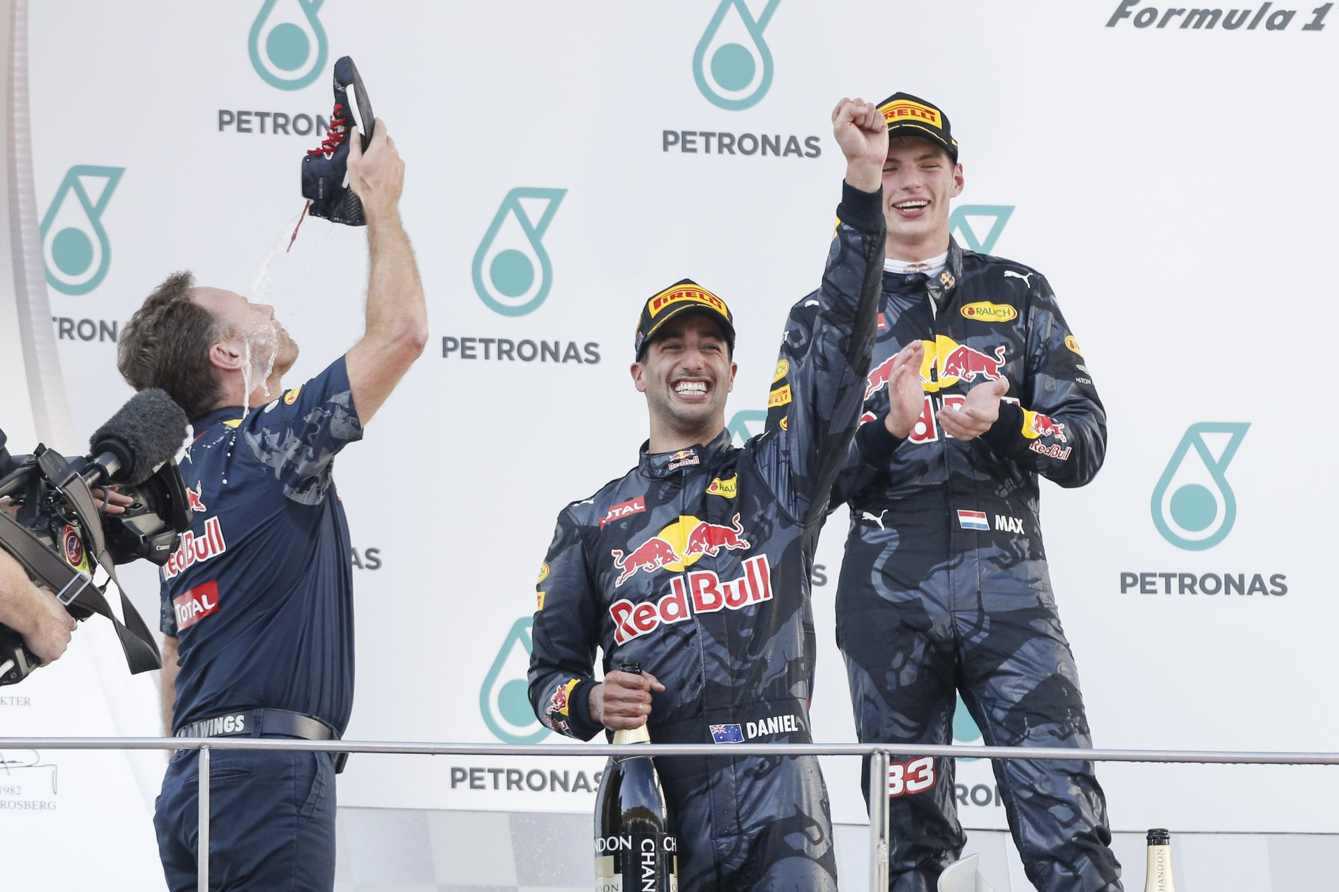 Elég volt a cipőből: Rosberg reméli, idén nem nyer többször Ricciardo