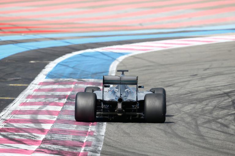 A Red Bullnak nem tetszik, hogy a Mercedes erőszakoskodik a tesztek miatt