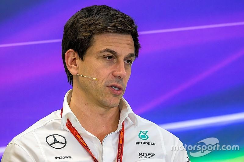 Wolff no se arrepiente de la llamada con Verstappen