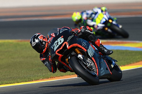 Rossi, Vinales'in 'muazzam tur zamanını' övdü