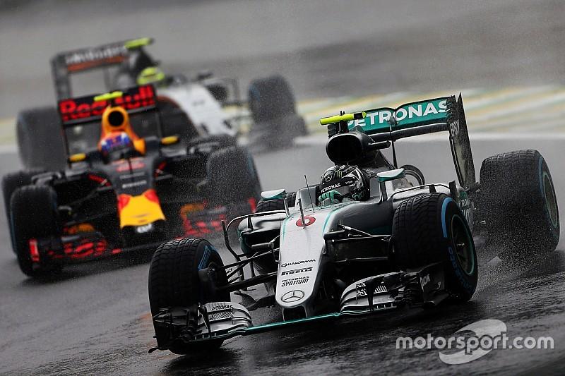 Ecclestone quer Fórmula 1 com rodadas duplas