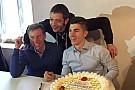 Viñales celebra su cumpleaños con Rossi y Jarvis