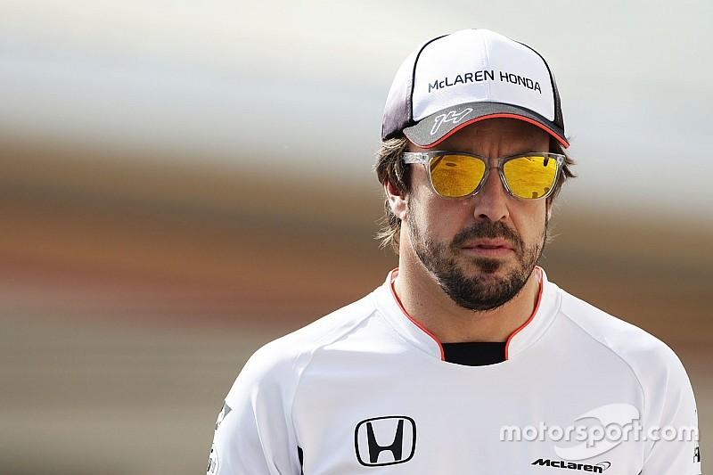 """Brown: """"Gemotiveerde Alonso de beste coureur ter wereld"""""""