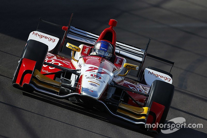 Andretti terminó el viernes al frente en Phoenix