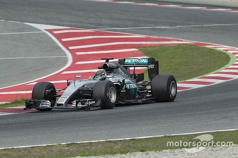 """Para Lauda, """"fãs vão gostar com certeza"""" de novos carros"""