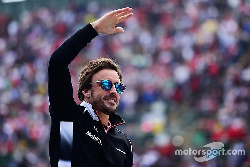 Alonso és szerelme ennyire boldogok együtt!