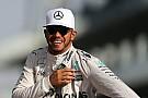 F1 Vídeo: Hamilton disfruta al volante del Mercedes C63