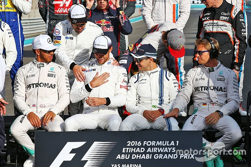 Хэмилтон пожелал Williams и McLaren скорейшего возвращения на вершину