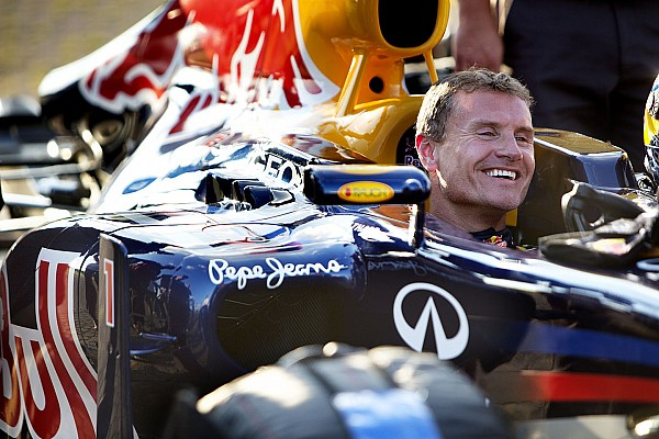 VIDEO: Coulthard se pasea con un Red Bull de F1 en Budapest