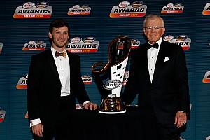 NASCAR Noticias de última hora Daniel Suárez presume su presencia en los Sports Emmys