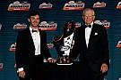 NASCAR Daniel Suárez presume su presencia en los Sports Emmys