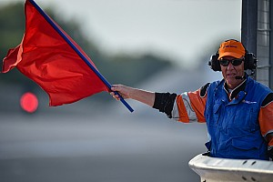 Moto3 Ultime notizie Carambola impressionante nella Moto3: bandiera rossa a Le Mans