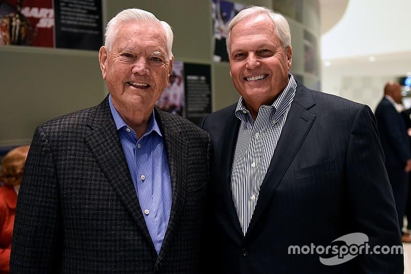 Este día en NASCAR: feliz cumpleaños al legendario Junior Johnson