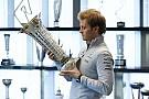 Rosberg sempat kehilangan trofi juara dunia F1