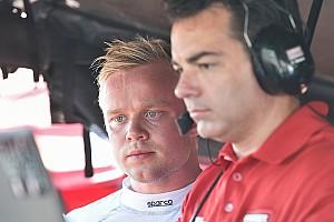 IndyCar Noticias Rosenqvist cumple con un test