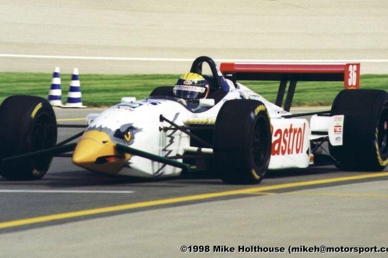 Alex Barron enters the pits (Michigan)