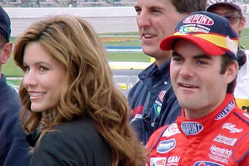 Jeff and Brooke Gordon watch qualifying