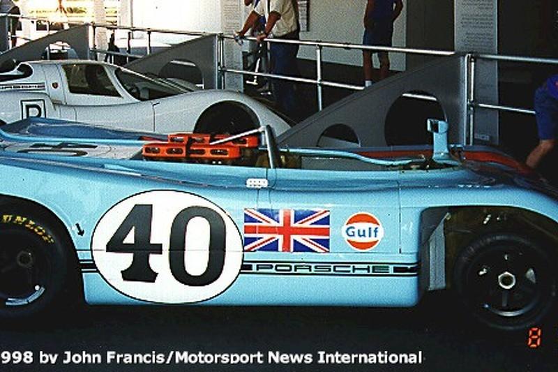 1971 Porsche 908/3 - Redman (pits)