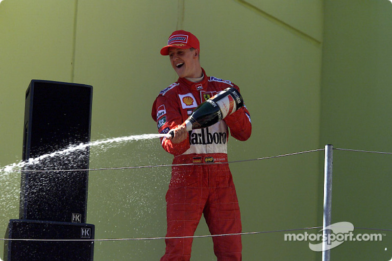 Michael Schumacher celebrando
