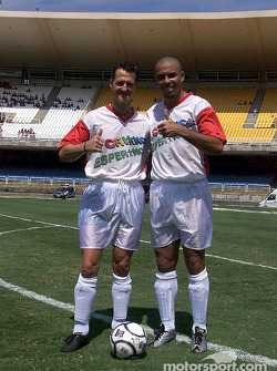 Juego de futbol a caridad de Hope for Children: Ronaldo y Michael Schumacher