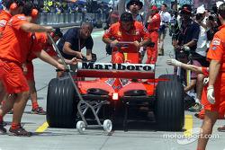 Pitstop simulation for Team Ferrari