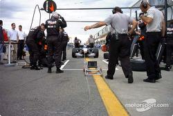 Pitstop practice for McLaren