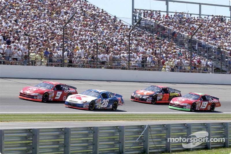Race action: Jimmy Spencer and Bill Elliott