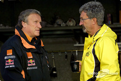 Tom Walkinshaw having tea with Eddie Jordan