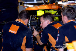 Arrows garage
