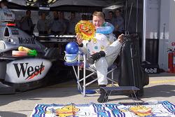 Mika Häkkinen et ses cadeaux