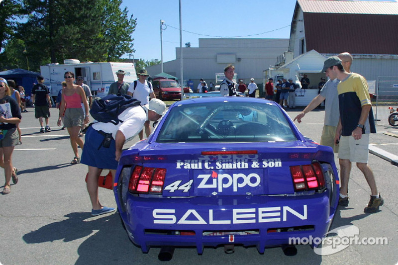 Fans look into the #44 Zippo Mustang