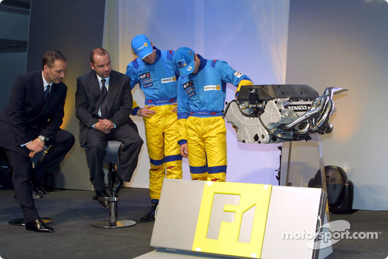 Jenson Button and Jarno Trulli checking the engine