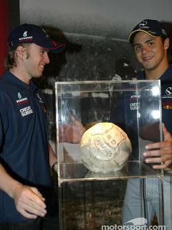 Visita a la Exhibición de Pelé en Sao Paulo: Nick Heidfeld y Felipe Massa