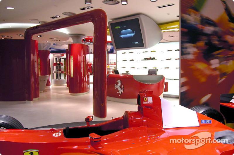 Apertura oficial de la Ferrari Store, Maranello: vista exterior