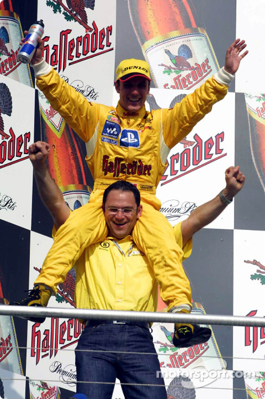 Race winner Laurent Aiello with Hans-Jürgen Abt