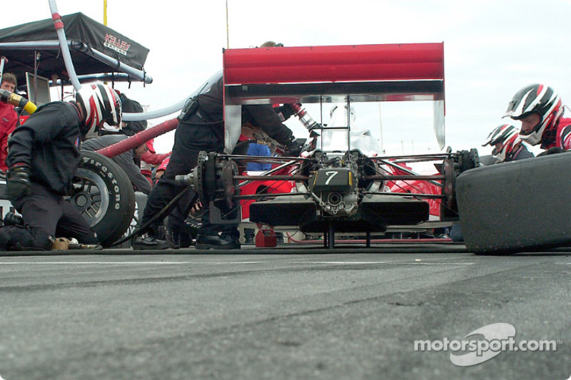 Al Unser Jr. in for a tire change