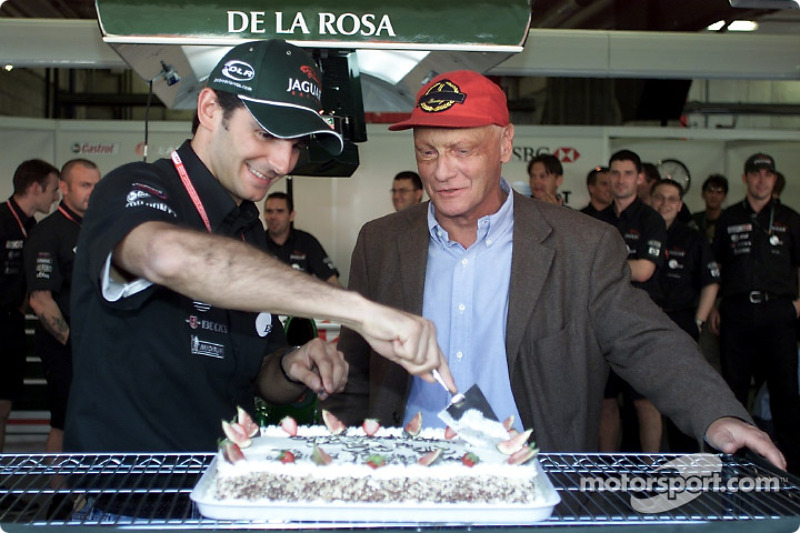 Presentation of the Jaguar Racing cake: Pedro de la Rosa and Niki Lauda