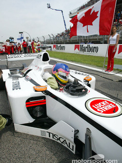 Jacques Villeneuve on the grid