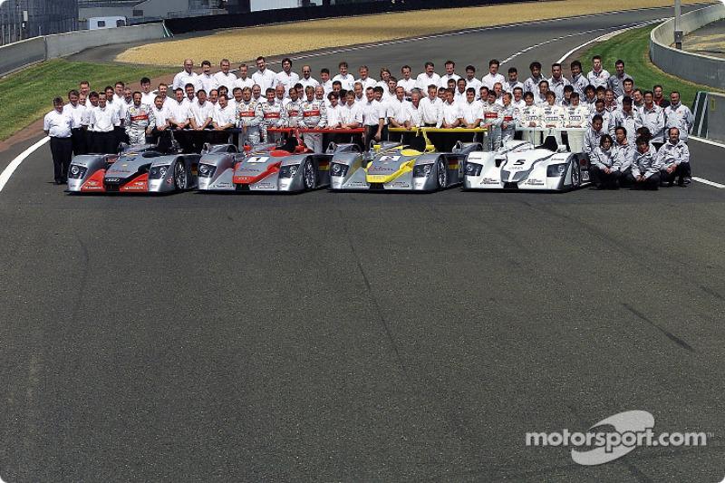 El equipo Audi para las 24 Horas de Le Mans 2002 (incluyendo el Audi Sport Japan Team Goh)