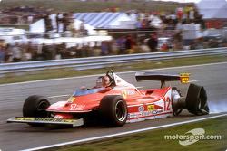 Gilles Villeneuve a toda velocidad sobre tres ruedas