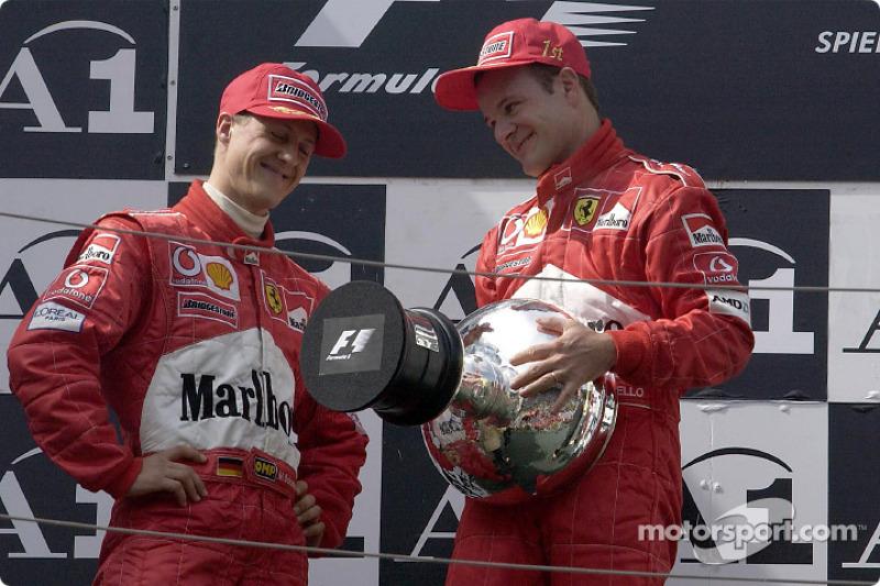 El podio: Michael Schumacher y Rubens Barrichello