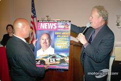 Dave McClelland présente la couverture SEMA pour le Grand Prix de DC