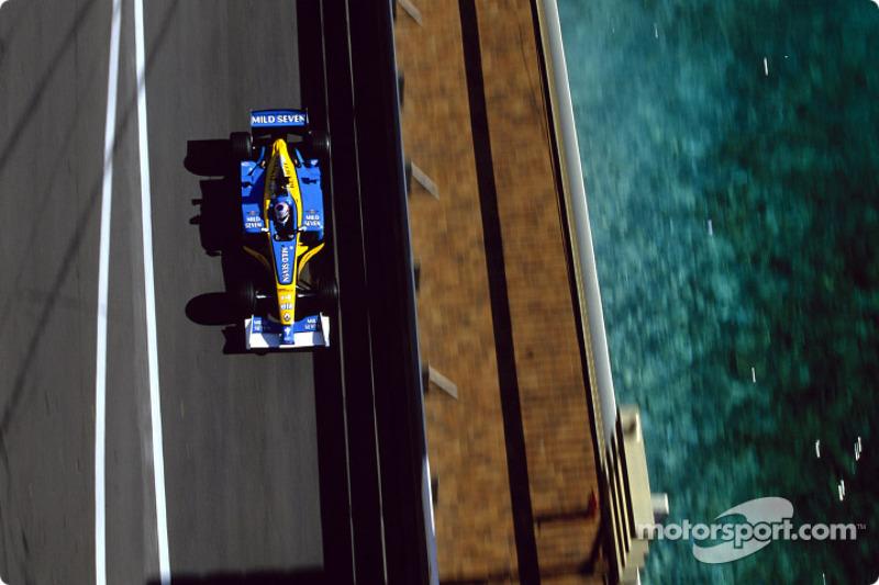 Jarno Trulli en la sesión de calentamiento