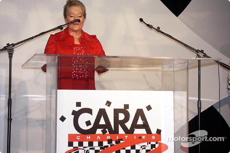 charity-2002-cara-be-0112