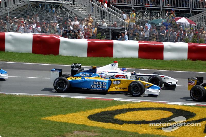 Primera curva: Jarno Trulli y Jacques Villeneuve