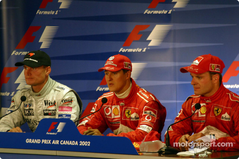 Conferencia de prensa: el ganador de la carrera, Michael Schumacher con David Coulthard y Rubens Bar